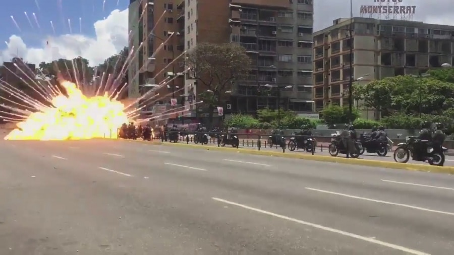 | Sundays vote was rocked by a roadside bomb explosion in the wealthy eastern Caracas municipality of Chacao | MR Online