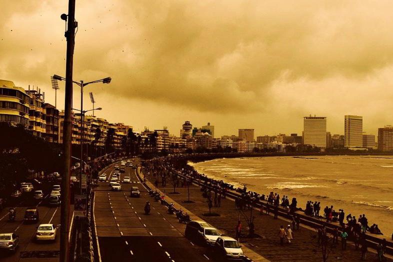 | Marine Drive in Mumbai | MR Online