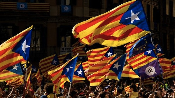 Hundreds of thousands fill the streets demanding the independence of Catalonia in Barcelona (Imago)