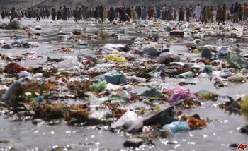 India river pollution.