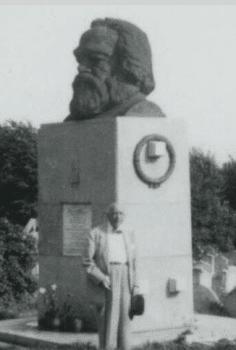 Du Bois at the grave of Karl Marx, September 1958