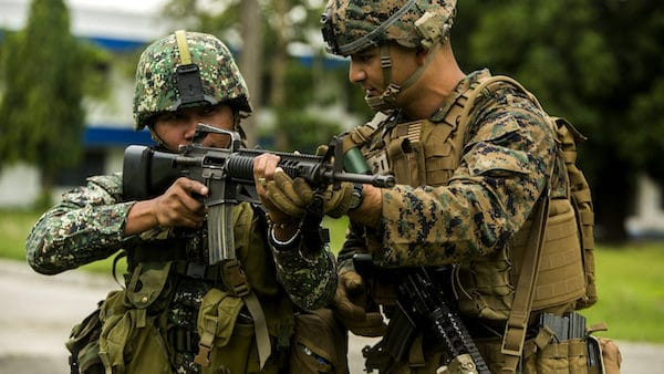 U.S. Marines train Philippine Marine Corps