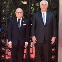 US Secretary of State Rex Tillerson (R) with his Argentine counterpart, Jorge Faurie, on Sunday. (Argentine Foreign Ministry)