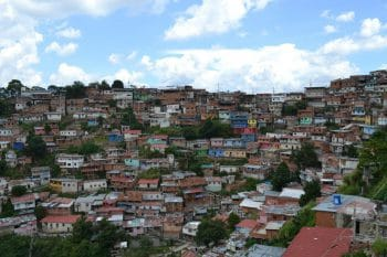 The hillside barrios surrounding Caracas have a long tradition of popular organisation (Photo: Ryan Mallett-Outtrim/Venezuelanalysis)
