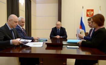 President Putin meeting with economic advisors