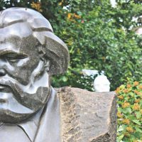 Karl Marx statue (Photo: FLICKR/ SARAH M ROGERS)