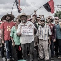 Chavista campesinos march toward Caracas