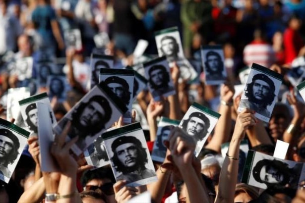 | Cubans pay homage to Ernesto Che Guevara on his 90th birth anniversary | MR Online