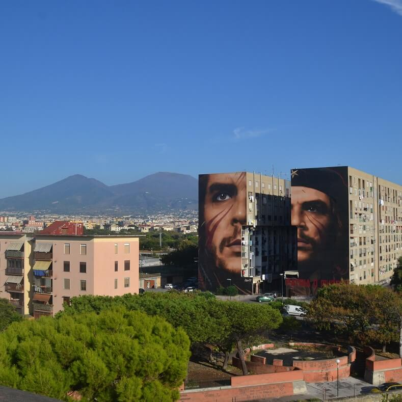 """The mural is an homage to Che, whose inspiration can help us transcend our modern-day precariousness, and a tribute to """"those who continue their struggle against the dehumanization of society, for a new dawn for the revolution that will come"""" Photo:Jorit"""