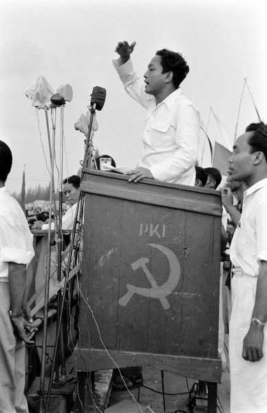 Indonesia elections, Howard Sochurek, 1955.