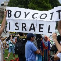 Activists attend a pro BDS march [Stephen Melkisethian:Flickr]