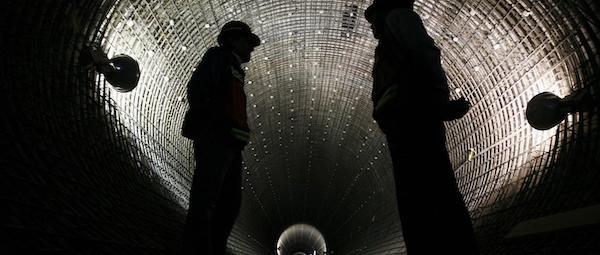 Men in tunnel (AP:Marco Ugarte)