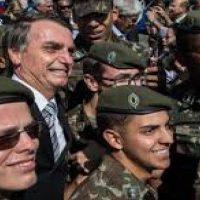 Bolsonaro with policia