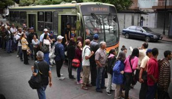 The blackout interrupted all public services, including ground transportation that was replaced by Metrobus units