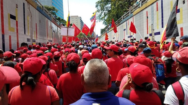 A massive pro-government rally on March 16, Caracas. © Eva Bartlett