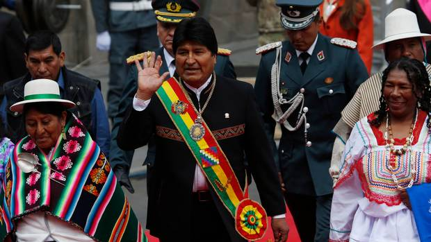 | Evo Morales marks 13 years as Bolivias president as he plans to Independentie Bolivias President Evo Morales waves as he arrives at Congress Juan KaritaAP | MR Online