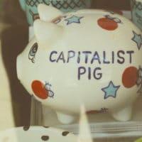 Capitalist pig (Flickr: osskunnn)