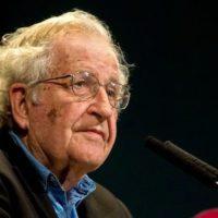 Noam Chomsky (cc photo- Ministerio de Cultura de la Nación Argentina)