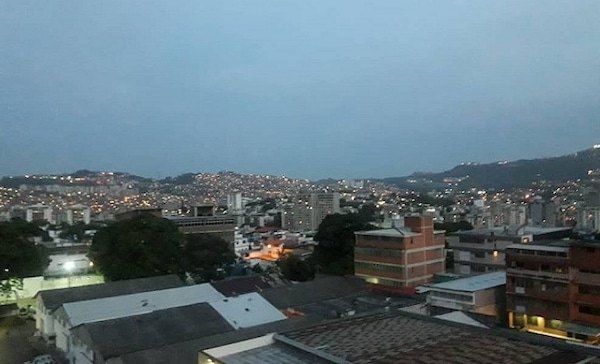 Power had been restored to Caracas by Tuesday morning. (TeleSUR)