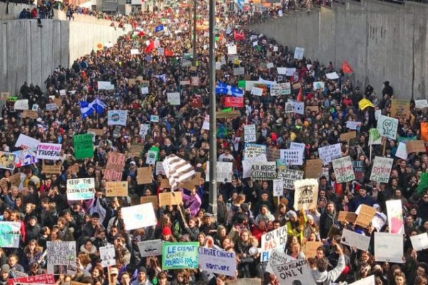 Mtl-climate-strike-GP-col