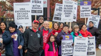 | Picketing teachers and supporters in Chicago | MR Online