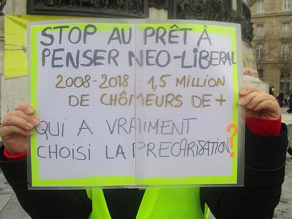 | Pancarte place de la République pendant la manifestation des gilets jaunes le 26 janvier 2019 | MR Online