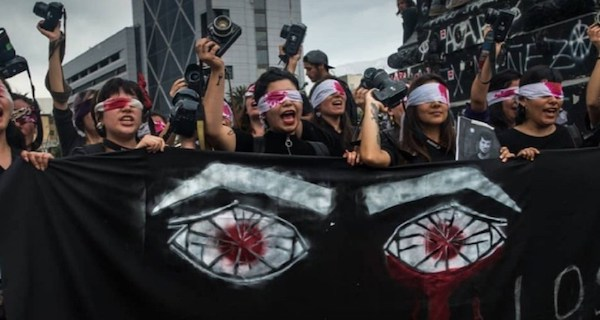 Chile's US-backed gov't is shooting anti-austerity protesters, blinding and maiming by the thousands