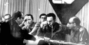 Fidel Castro surrounded by intellectuals. 1961. (Archives)