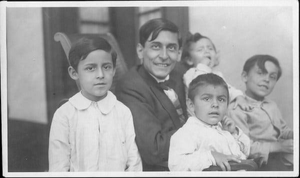 Flickr José Carlos y sus cuatro hijos | Transparente optimismo brot… | Flickr