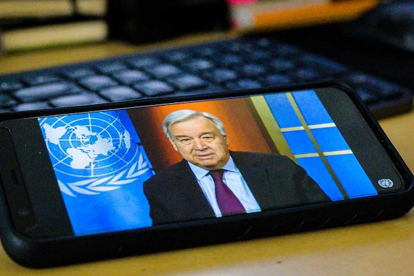 Secretary-General Holds Virtual Press Briefing on Coronavirus Outbreak Secretary-General António Guterres holds a virtual press briefing on the ongoing global Coronavirus (COVID-19) outbreak. 19 March 2020 United Nations, New York Photo # 840776