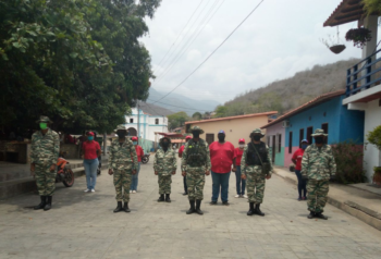 Components of the Bolivarian Militia and the people's power organized in the town of Chuao Photo: Mónica Ávila