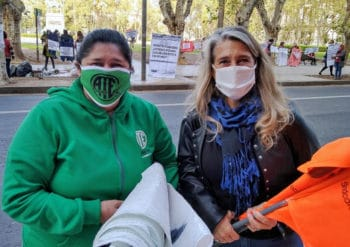 14 May 2020: FESPROSA president Fernanda Boriotti (right) at the actions organised with the Association of State Workers (Asociación Trabajadores del Estado) in Argentina. Their demands include better working conditions and wages, a sufficient supply of quality personal protection equipment, and adequate subsidies for family allowances and an emergency fund. Sofía Alberti