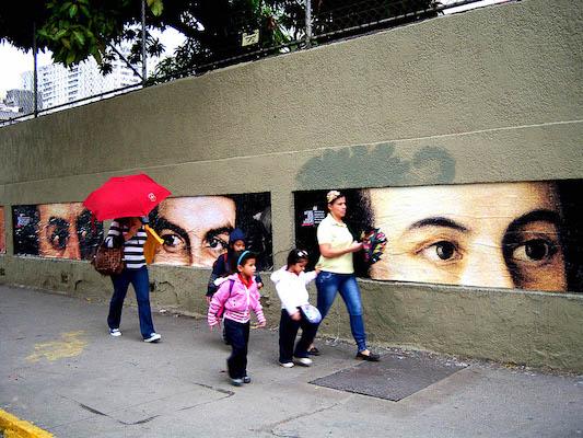Comando Creativo. History is watching us, Bellas Artes, Caracas, 2011.
