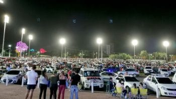 Sandinista supporters fill Managua's Plaza La Fe with their cars and families on the evening of July 18, 2020 (Photo credit: Ben Norton / The Grayzone)