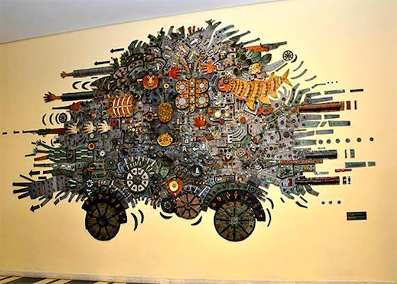 El Carro de la Revolución, by painter and engraver Alfredo Sosabravo, portrays the history of the Cuban people on the road to independence and sovereignty. Photo: Abel Rojas