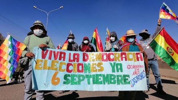 Bolivia Begins the Week with an Indefinite General Strike and Roadblocks