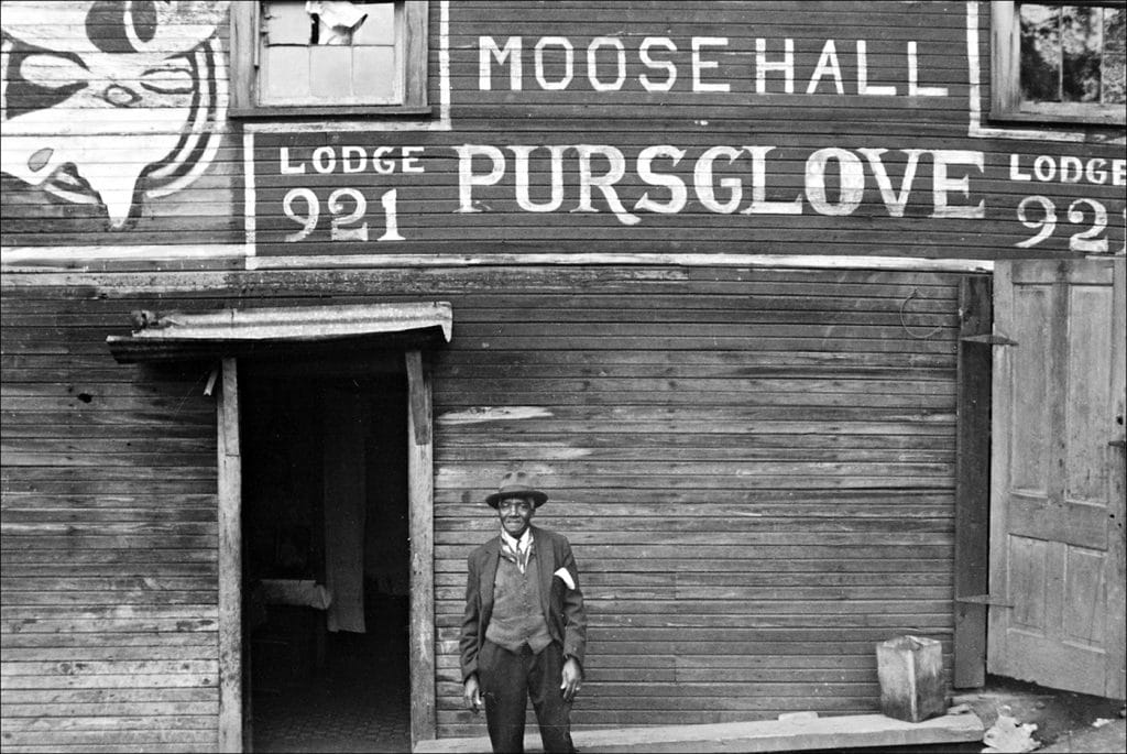 """""""Liberty unincorporated Scotts Run West Virginia. Negro family living in Moose Hall. 1935."""" Photo by Ben Shahn/Farm Security Administration-Office of War Information Photograph Collection Library of Congress."""