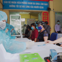 Wikimedia Commons File: Vietnamese registered for rapid testing (COVID-19) (Photo: Wikimedia Commons)