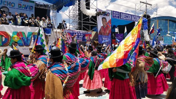 | Thousands participated in MAS victory celebration on October 24 in El Alto Photo Zoe PC | MR Online