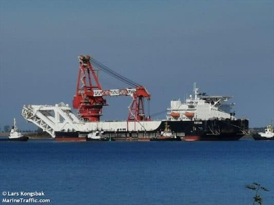 | Russias pipelayer crane ship Fortuna capable of laying about 1km of undersea pipe a day File photo | MR Online