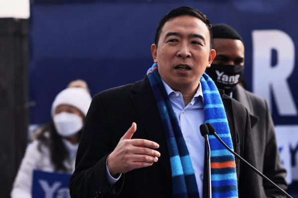 New York City mayoral candidate Andrew Yang speaks at news conference on 14 January (AFP/File photo)
