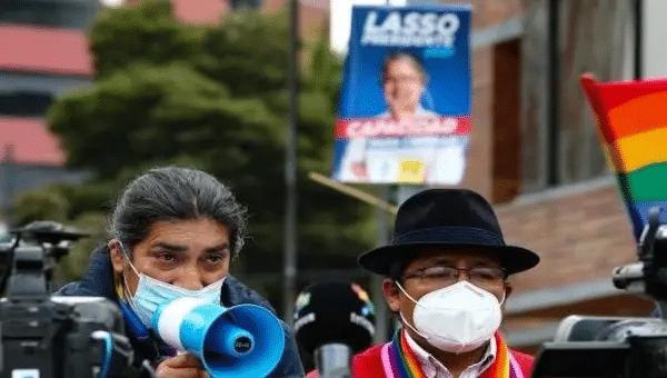 Candidate Yaku Perez (L) outside the National Electoral Council (CNE) in Quito, Ecuador, Feb.11, 2021. | Photo: EFE