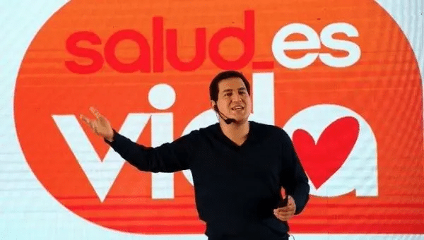 | Andres Arauz at the launch of his health plan The sign reads health is life Ecuador March 2 2021 | Photo Twitter ecuarauz | MR Online