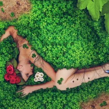 | Woman in Nature | MR Online