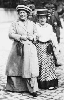 | Clara Zetkin and Rosa Luxemburg 1911 | MR Online