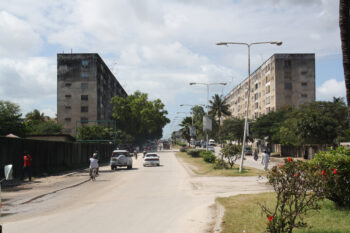 The British protectorate of Zanzibar won its independence in 1963. The following year, the United Republic of Tanganyika and Zanzibar became the first state outside the Eastern Bloc to officially recognise the sovereignty of the DDR. Civil engineers and building materials were subsequently sent from the DDR to Stone Town, a neighbourhood in the capital Zanzibar, and two large apartment blocks were built. Although somewhat aged now, the apartments are still much sought after, and the area is referred to as 'Berlin'.