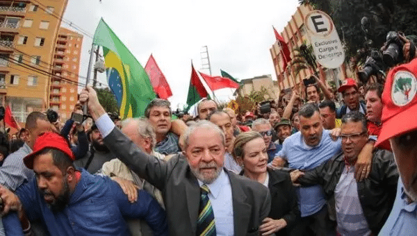 | The plenary of the Supreme Court of Brazil formed a majority to overturn the judgments against Lula in the Lava Jato case in which it considered the 13th Court of the city of Curitiba incompetent | Photo TwitterAndreteleSUR | MR Online