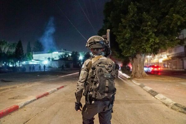 ISRAELI BORDER POLICE OPERATING IN THE CITY OF LYDDA (LOD), MAY 11, 2021. (PHOTO: TWITTER/@IL_POLICE)