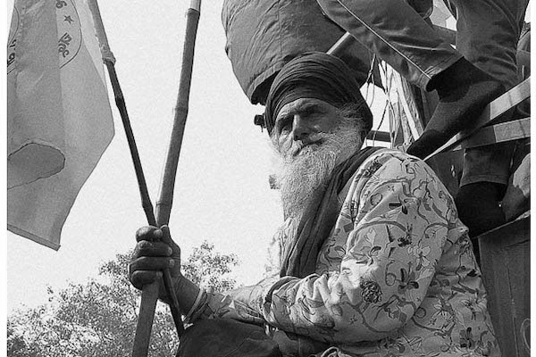 | A farmer from Punjab protests during a tractor march on Republic Day on GT Karnal Bypass Road in Delhi 26 January 2021 Vikas Thakur Tricontinental Institute for Social Research | MR Online