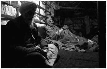 | A farmer couple spends a winter night in their trolly at the Singhu border in Delhi 28 December 2020 Vikas Thakur Tricontinental Institute for Social Research | MR Online